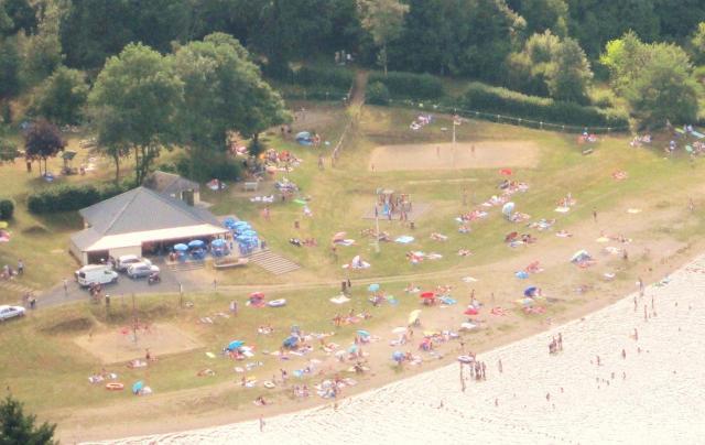 la-plage-de-la-chazotte-en-juillet 2013.